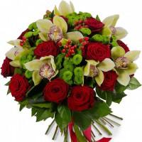 """Букет """"Орхидеи в розах"""""""